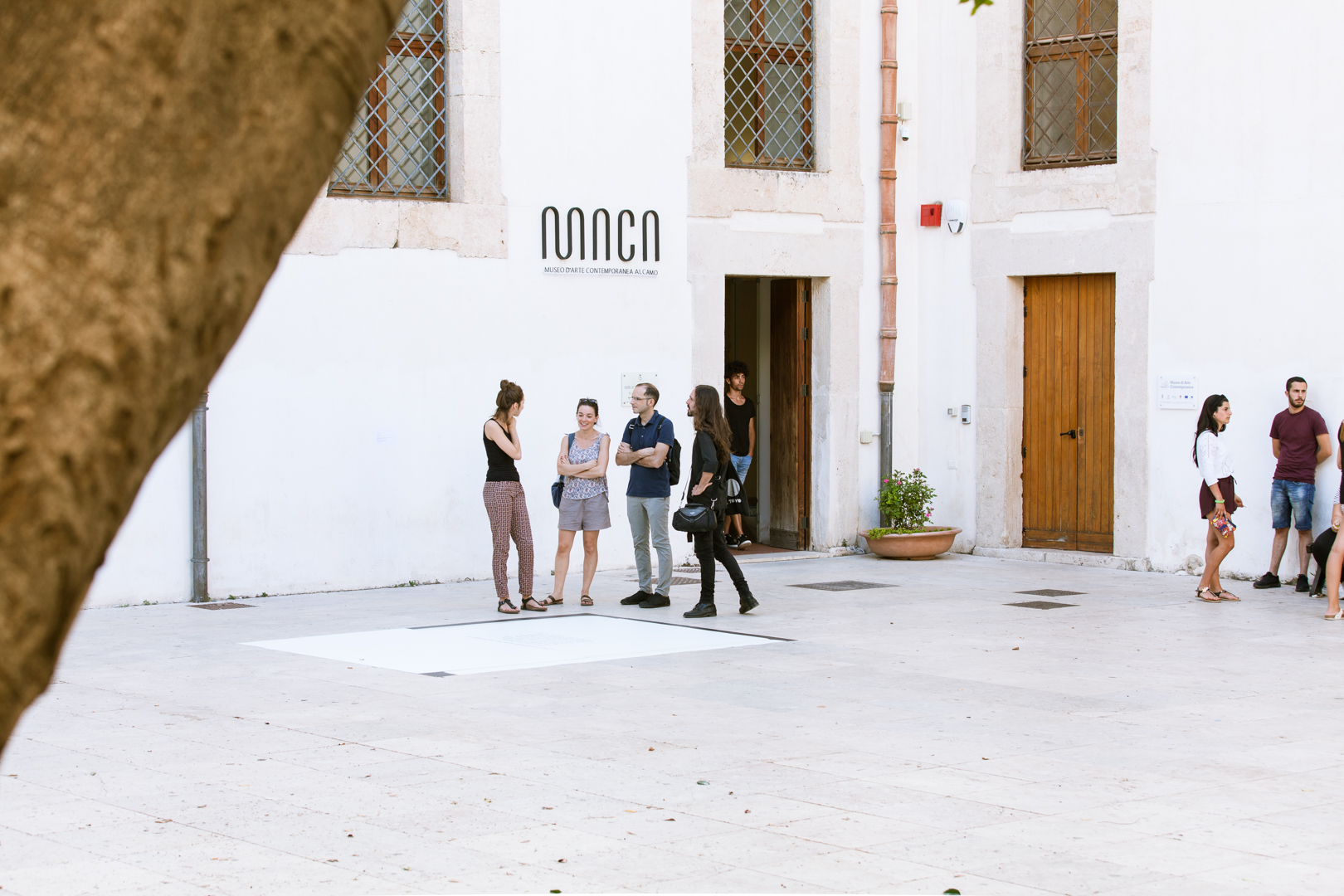 Carmelo Nicotra, Munumentu, 2018, print on pvc, Piazza Ciullo, Alcamo. Photo CAVE Studio